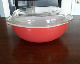 Vintage / Retro Pyrex Flamingo Pink #024 2 qt. Covered Casserole with 684C Dome Glass Lid