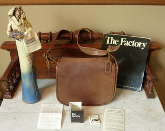 Dads Grads Sale Coach Classic Shoulder Bag -Mocha Brown Leatherware - Made in New York City U.S.A.- Vgc