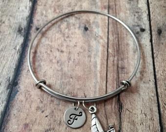 Windsurfer initial bangle - windsurfing jewelry, nautical jewelry, gift for windsurfer, water sports jewelry, wind surfing bracelet