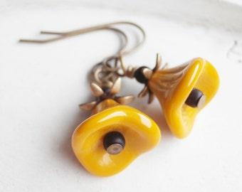 Beaded Flower Earrings - Mustard Blossom