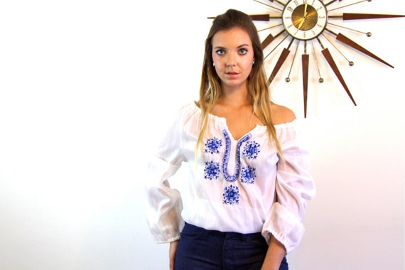 Hungarian blouse, 70s Peasant Blouse, Long sleeve Gypsy blouse, Embroidered blouse, 70s bohemian blouse,60s hippie shirt, white and blue top