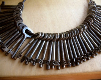 antique keys, vintage skeleton keys, sale, vintage iron keys, bulk, wedding favor, large keys, crafting supplies, old iron keys -2db