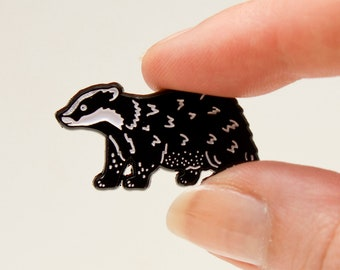 Badger Pin / Hufflepuff Pin / Soft Enamel Pin / Lapel Pin Badge / Cute Pin / Badger Gift / Animal Pin / Hufflepuff Badge / Emaille Pin