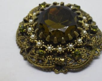 Beautiful Vintage Moss Green Glass & Faux Pearl Brooch Pin