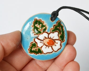 Ceramic pendant necklace suspension White flower Oil diffuser pendant aromatherapy pendant Ocarina