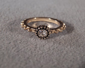 Vintage Yellow Gold Tone Round Rhinestone Fancy Raised Relief Scrolled Eternity Wedding Band Ring, Size 6.5
