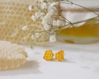 Honeycomb earrings - yellow earrings - bee earrings - Honey Jewelry - polymer clay studs - geometric earrings - honey bee jewelry