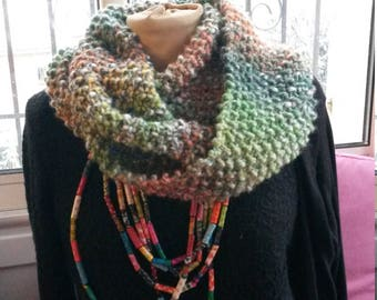 snood in shades of green