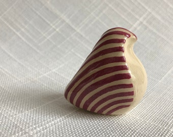 Burgandy and White Etched Ceramic Bird