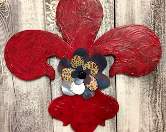 Red Fleur De Lis wall decor with metal flower