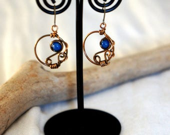 Handmade Earrings, Blue agate, Wire. Article 9 of the Constitution of Japan is a motif.