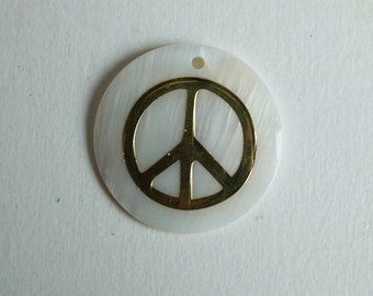 Peace Pendant gold on mother of pearl