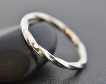 Sterling Silver 'Twisted' Square Stacking Ring