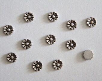 Oxidized silver daisy flower cabochons 5-6mm (6)