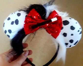 Disney inspired Cruella De Vil Minnie Mouse ears. Perfect for Disney, Disneybounding. Dalmation print