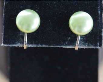 On sale Spring Green Pearl Button Clip Earrings, 12mm, Gold tone, Vintage (Z3)