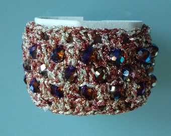 Cotton laminate bracelet with knitted crystals