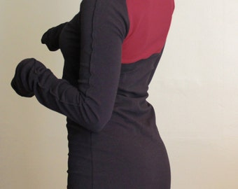 Turtleneck cowl tunic dress with extra long sleeves/Black with Burgundy