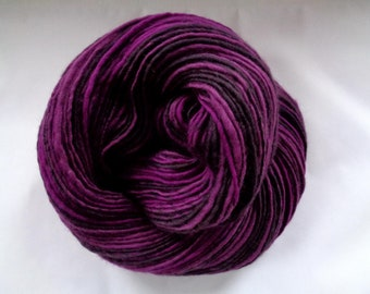 Handspun merino yarn, single yarn, purple yarn, light worsted weight, crocheting yarn, VIOLET, 3.5oz/255yds, 100g/230m, 100% wool