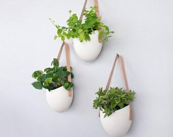 Set of 3 Spora w/ leather: porcelain hanging planters