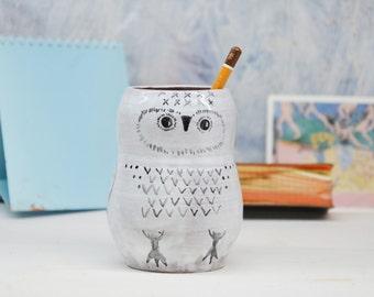 White Owl Pen Holder/ Pottery Pencil Holder/ Make up Brushes Holder/ Ceramic Owl/ Pottery Pot/ Handmade Ceramic Desk Organizer/ Pottery Bird