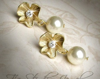 EMILY - Sweet Gold Flower and Pearl Earrings