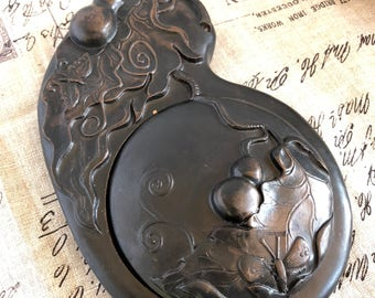 Hand carved Ink Stone Pond with lid (Vintage)