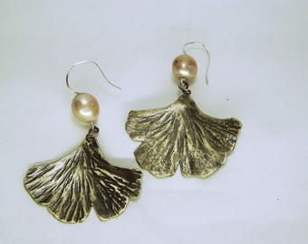 Ginkgo leaf earrings with peach pearls
