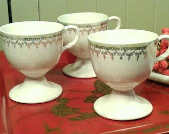 Set Of 3 Pedestal Base China Cups Vintage 1930's Green Luster Border Gilt Transfer Drinking Mug Coffee Teacup Loving Cup Antique Lusterware