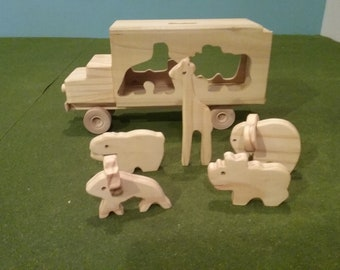 Wood Circus Truck with 5 Animals