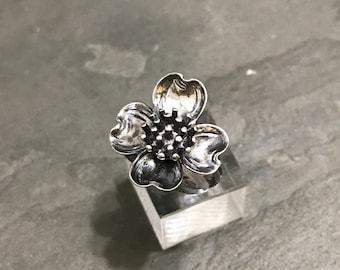 Size 5, vintage Sterling silver handmade ring, solid 925 silver dogwood flower, stamped 925