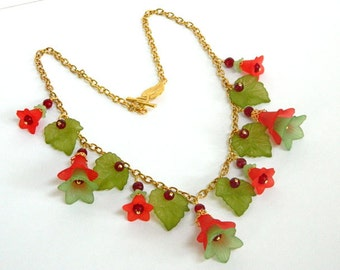 Christmas Jewelry for Women, Red Statement Necklace, Gold Necklace, Green Necklace, Short Necklace, Handcrafted Jewelry, Gift for Mom