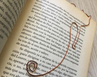 Cat-shaped book marker. Different materials. Handmade. Bookmarks.
