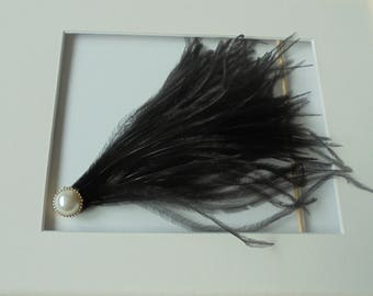 Black feather hairclip