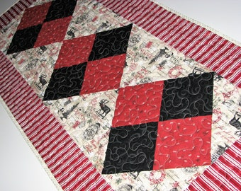 Christmas Quilted Table Runner, Rustic Vintage Holiday Table Mat, Red Black Cream Christmas Table Quilt, 17 in. x 39 in., Quiltsy Handmade