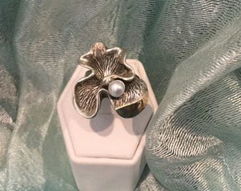 Hand made Sterling Silver 925 Ring with Solid Gold All around the Ring  and Fresh Water Pearl Stone