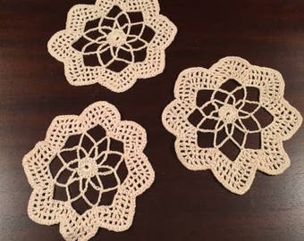 Vintage Doilies Set of 3 Hand Crocheted Mini Doilies Vintage Home Decor Dresser Scarf Vintage Doily