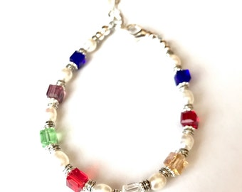 Mothers Birthstone Bracelet, Mothers Bracelet,  square Birthstone Jewelry, Grandmothers Birthstone Bracelet, Crystal Birthstone Bracelet
