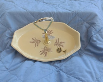 Ceramic Sequoia Ware-Wheat Pattern-Xcellent Cond.-Central Handle-Bark Mold Marks-Nut Dish-Butter Yellow Color