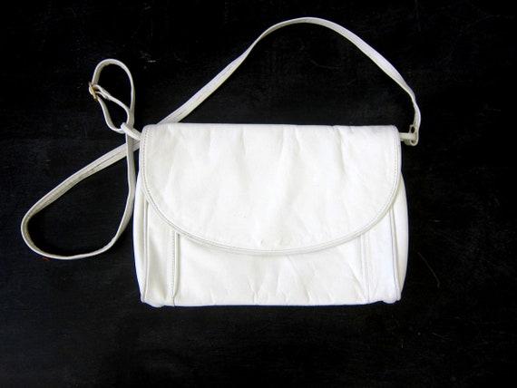 White Leather Purse   80s Purse Vintage Across Body Shoulder Bag Crossbody Minimal Leather Purse Fashion Bag
