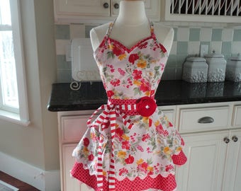 Queen of Hearts ~  Cute Flirty Retro Apron for Wedding or Bridal Gift ~ Sadie Style Women's Apron ~ 4RetroSisters