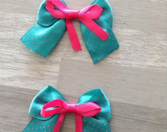 5 flower applique green satin bow has pink dots