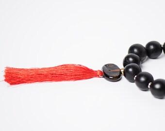 Collier Coeur de Marie/Bokeur/bois d'ebene/noir/rouge/metal et verre recyclé/fait main/pompom soie/Style SO Original/bohemien/design aficain