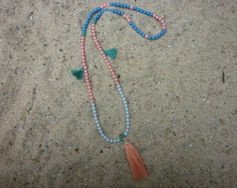 Bohemian necklace with acrylic and facet beads, charm and brushes