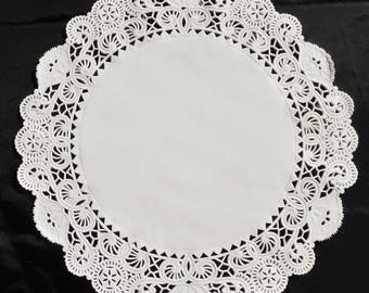 """14"""" WHITE PAPER Doily CHARGER 