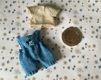 Dollshouse 1/12th miniature hand knitted Toddler doll Dungarees and  T-Shirt