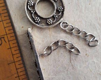 Sterling Bali toggle. Beadwork, Jewelry making, Jewelry supply. Stringing. Silver closure, fastener.
