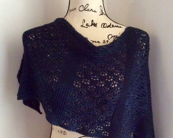 Hand Dyed Knitted Lace Wrap (Midnight Blue)