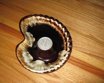 """Mid Century Atomic INITIALED BROWN DRIP Ashtray Kidney Shape Initial B In Silver Metal 11"""" x 8 1/2"""" U.S.A. 50 On Bottom"""