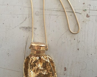 Gold Tone Mesh Expandable Purse - Vintage Whiting and Davis Co.